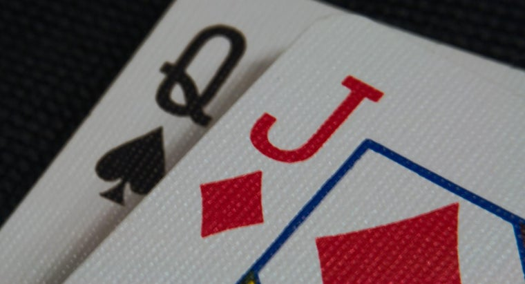 What Are the Rules for the Pinochle Card Game?