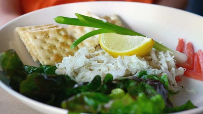 What Are Some Good Crab Salad Recipes?