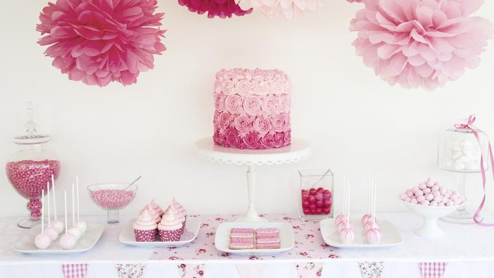 What Are Some Cute Sayings for a Baby Shower Cake?