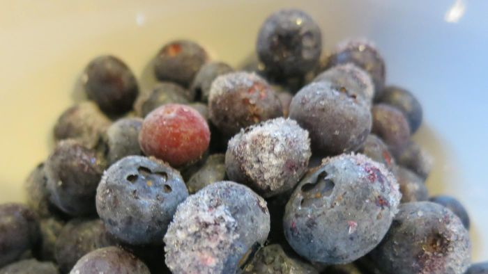 What Is the Proper Method of Freezing Blueberries?