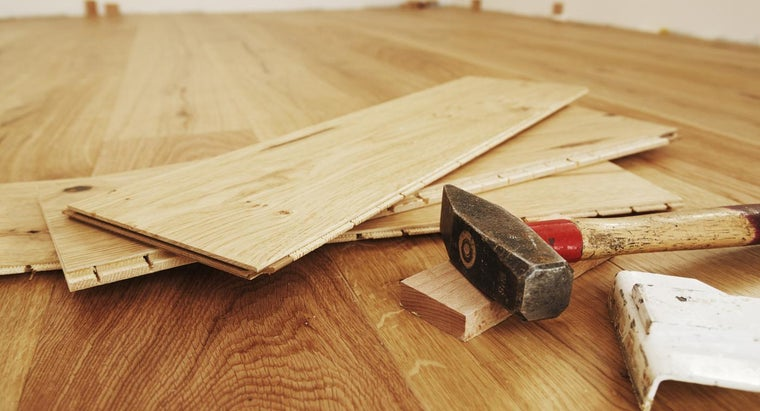 How Can You Lay a Hardwood Floor by Yourself?
