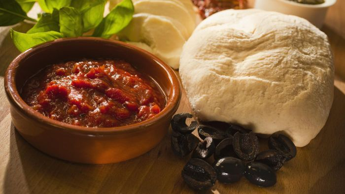 What Is a Good Recipe for Making Pizza Sauce From Scratch?