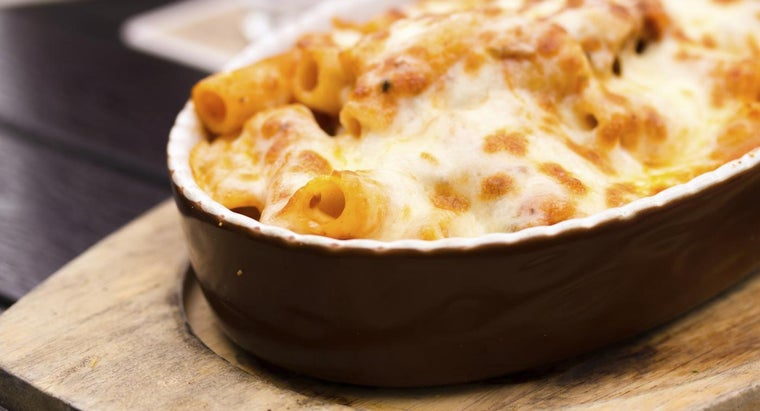 How Do You Prepare Baked Ziti With Ground Beef?