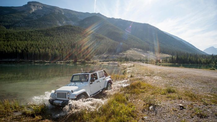 What Are the Benefits of Driving Small Four-Wheel Drive Cars?