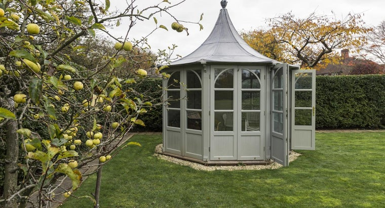 What Is an Idea for Building an Inexpensive Gazebo?
