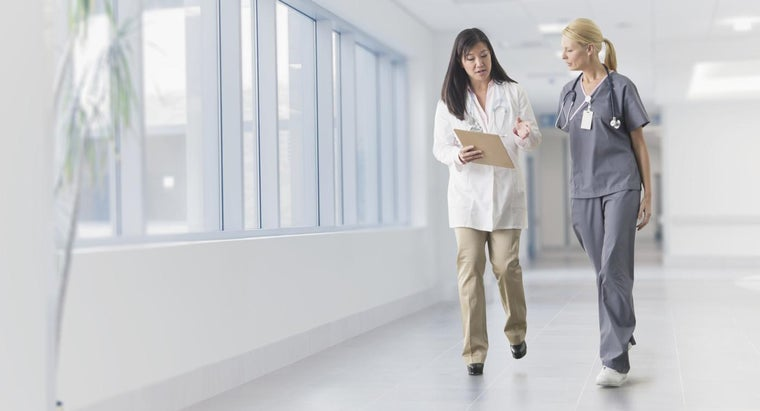 What Are Some Good Courses for Nursing Review?