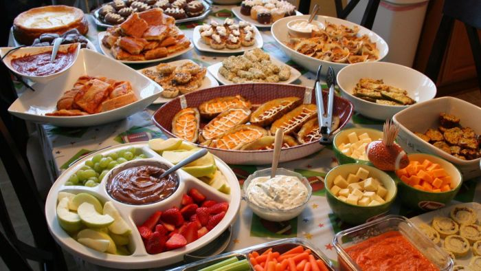 What Are Some Foods for a Super Bowl Party?