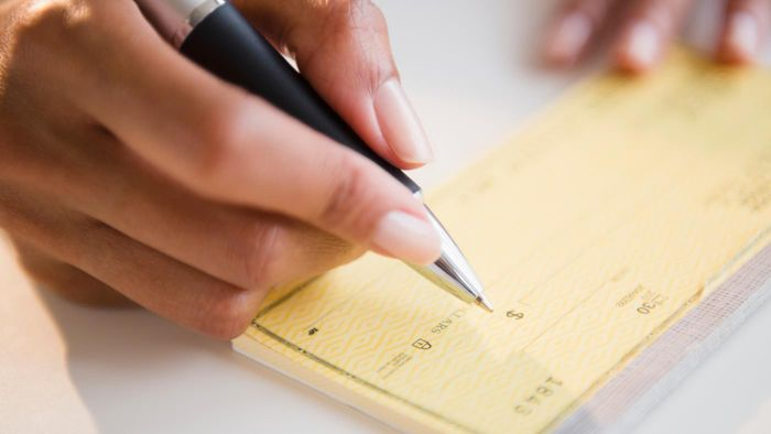 What Types of Checking Accounts Are There?