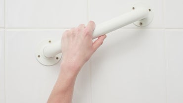 Where Is the Most Advantageous Place for a Bathroom Grab Bar Placement?