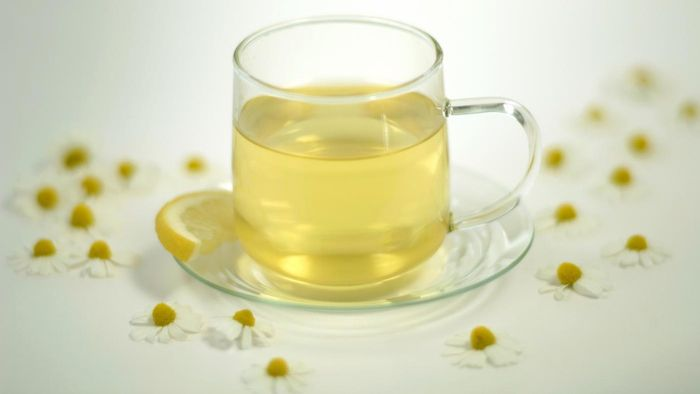 What Are Some Side Effects of Drinking Chamomile Tea?