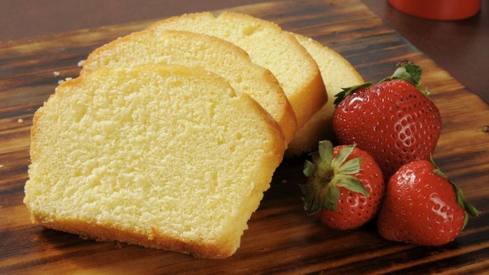 What Is an Easy Homemade Pound Cake Recipe?