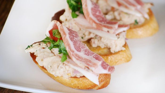 What Are Some Prosciutto Appetizer Recipes?
