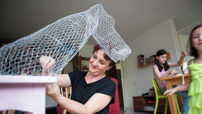 How Can Wire Mesh Be Used in a Crafting Project?