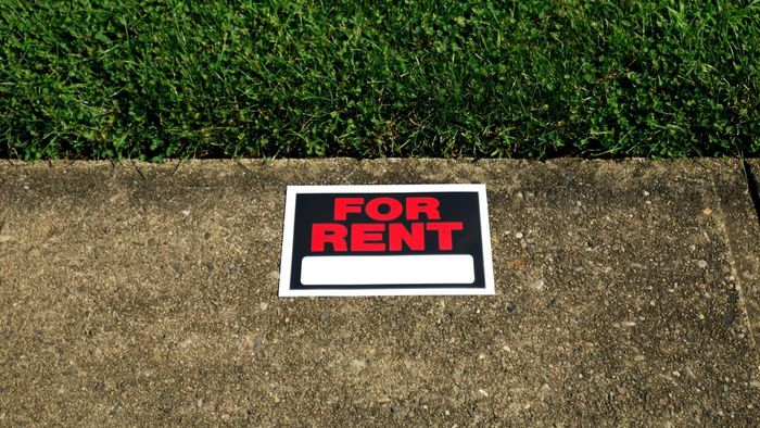 What Are the Advantages of Renting a House?