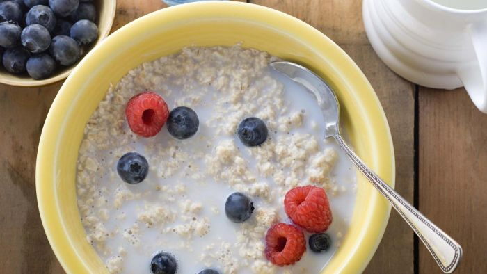 Is oatmeal a good breakfast choice for diabetics?