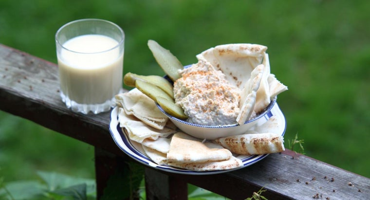 What Is a Recipe Using Hummus?