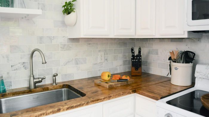 Where Can You View Pictures of Kitchen Back Splash Designs?