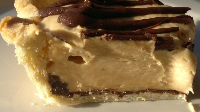 What Is the Recipe for a No-Bake Peanut Butter Pie?