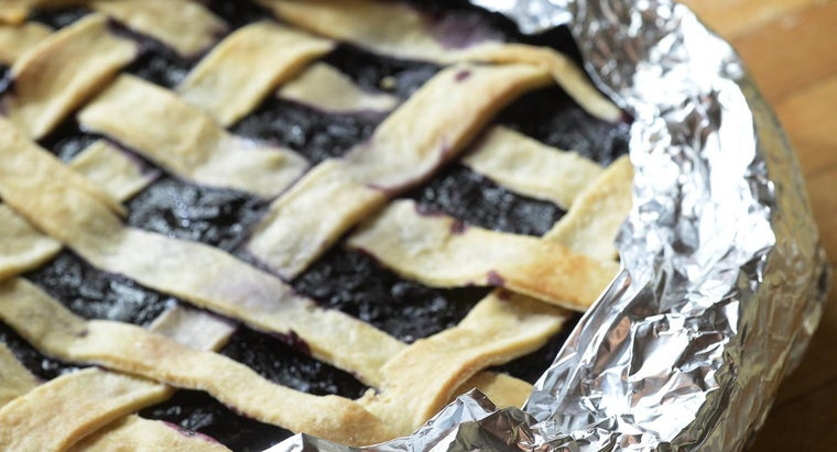 Is There an Easy Blueberry Pie Recipe With Basic Ingredients?