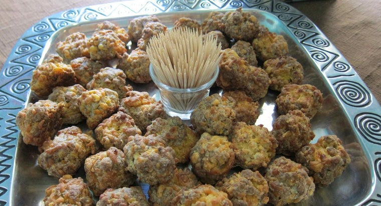 What Are Some Good Recipes for Sausage Balls?