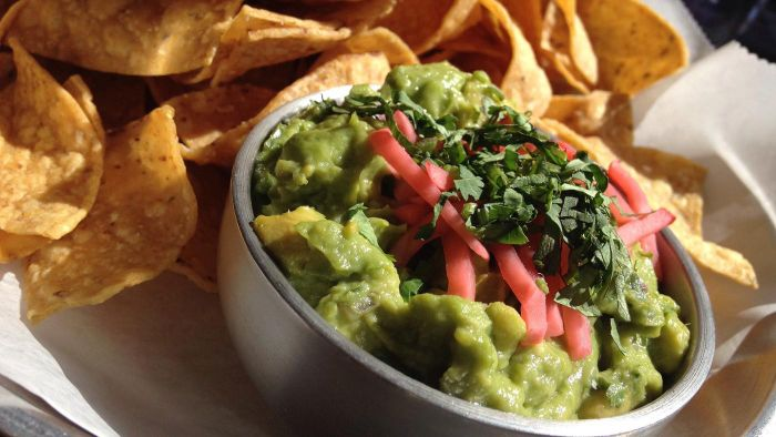What Are Some Easy Homemade Guacamole Recipes?