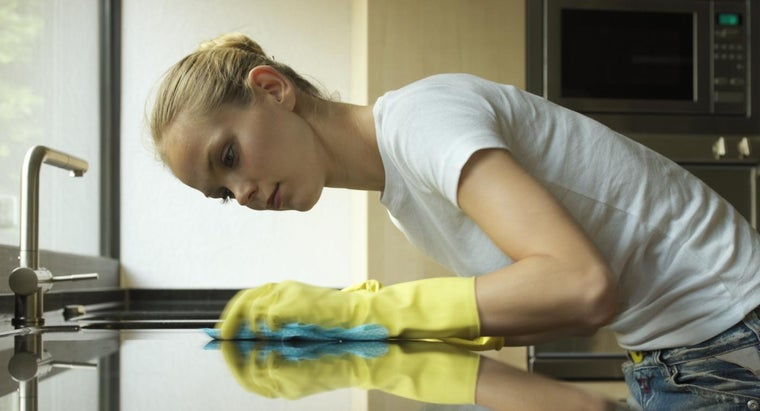 What Are the Symptoms of OCD in a Woman?