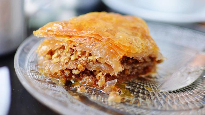 What Are Some Desserts That Can Be Made With Phyllo Dough?