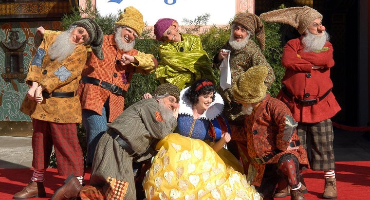 What Are the Names of the Seven Dwarfs?