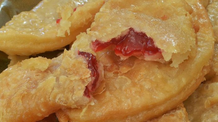 What Is a Recipe Using Canned Cherry Pie Filling?