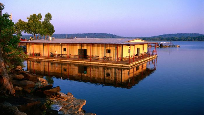 What Are Some Areas to Rent Cabins on Lake Eufaula, OK?