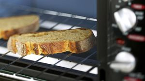 How does a toaster oven work?