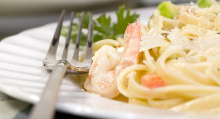What Is a Good and Simple Shrimp Alfredo Recipe?
