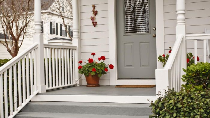 What Are Some Good Paint Options for the Floor of a Porch?