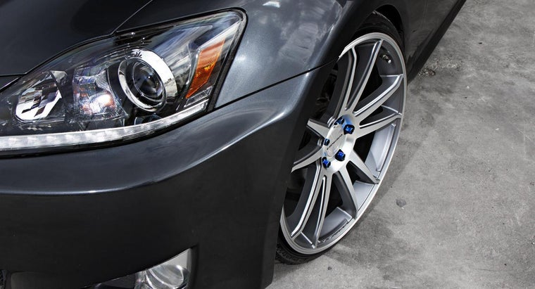 What Are Some Tips for Buying Used Custom Rims?