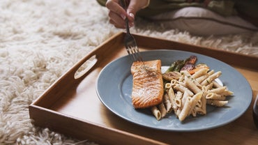 How Many Calories Are in 4 Ounces of Salmon?