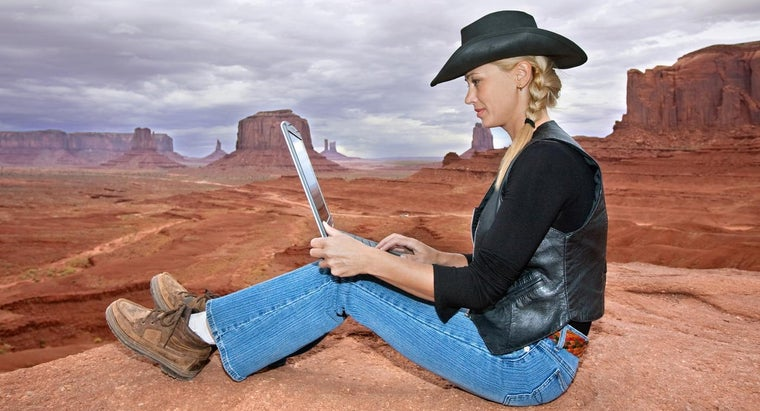 Is It Possible to Listen to Country Songs Online?