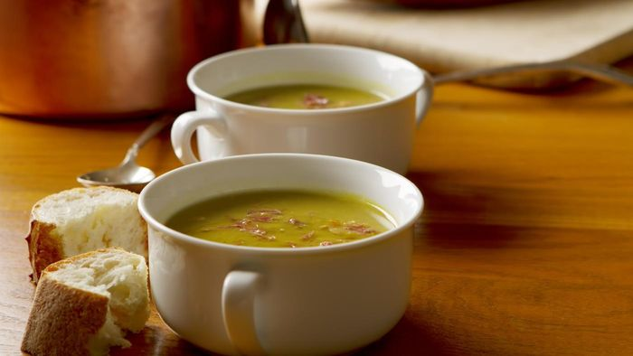 What Is a Good Recipe for Split Pea Soup Made With a Ham Bone?