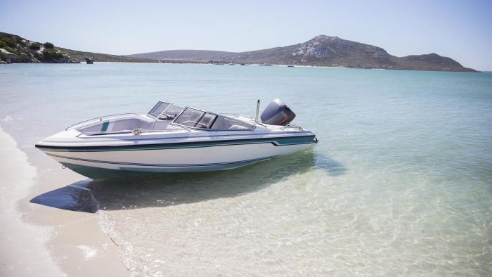 What Are Some Tips for Purchasing a Repossessed Boat at a Bank Auction?