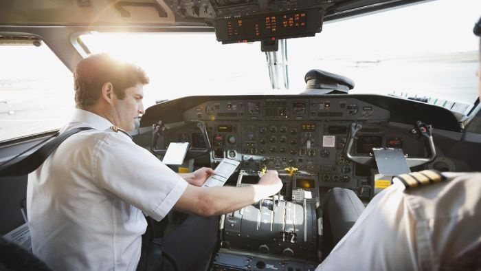 What Is the Average Annual Salary of an Airline Pilot?