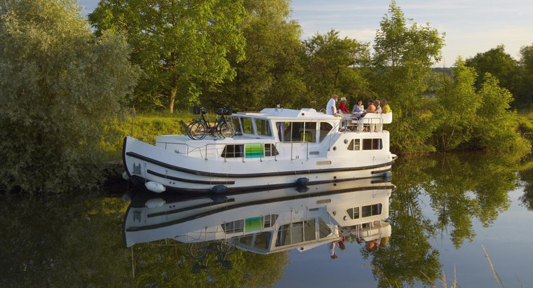 Where Can You Buy a Cheap Used Houseboat?