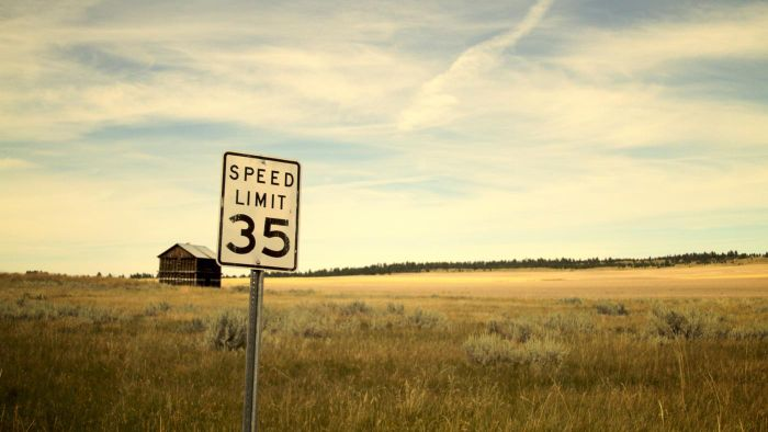 How Are Street Speed Limits Set?