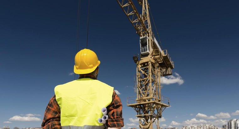 How Long Does It Take to Learn to Operate a Crane?