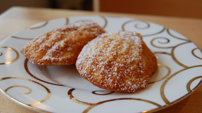 What Is an Easy Madeleine Recipe?