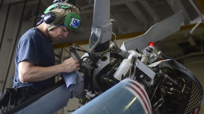 What Is the Average Salary of an Aviation Mechanic?