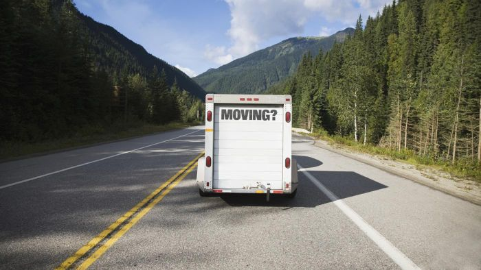 How Can You Find a Cheap Moving Van?
