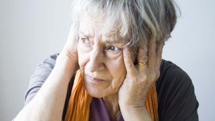 What are some home remedies for adult earaches?