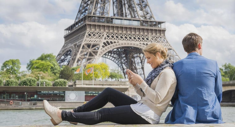 How Can You Get a Good Tourist Map of Paris, France?