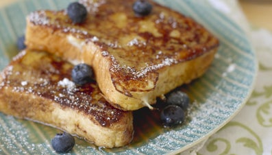 How Do You Make Easy Baked French Toast?