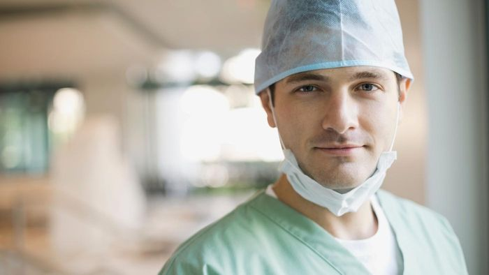 How do you find a top-rated surgeon for your knee replacement?