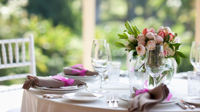 What Does a Wedding Centerpiece Look Like?